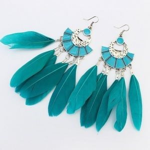 🆕Bohemian Turquoise Feathered Earrings